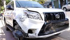 Ôtô tông hàng loạt xe máy, 6 người bị thương