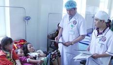 Hàng chục học sinh bán trú nhập viện do nghi bị ngộ độc thực phẩm