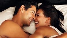 10 điều lãng mạn nên làm... sau khi 'yêu'