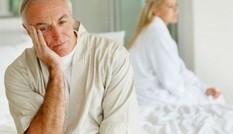 Lệch 40 tuổi, vợ chồng 'khóc ròng' mỗi đêm