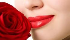 3 bước tẩy tế bào chết cho làn môi căng mọng
