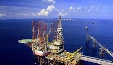Khai thác dầu thô Việt Nam giảm nhưng bán được giá hơn