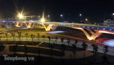 Cầu vượt thép lớn nhất Việt Nam lung linh về đêm qua góc nhìn flycam