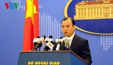 Việt Nam phản đối Trung Quốc đưa máy bay ra đá Chữ Thập
