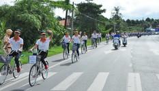 Tặng 115 xe đạp cho học sinh nghèo vùng sâu