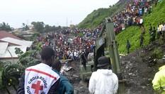 Guinea: 'Núi' rác khổng lồ sạt lở, 8 người bị chôn vùi