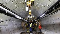 Mục kích đường hầm metro 15 mét vừa được robot 300 tấn thi công