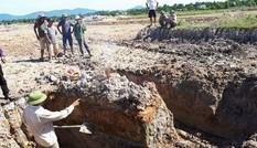 Mộ bằng đá nguyên khối ở Quảng Bình không phải mộ cổ?