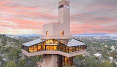 Cận cảnh ngôi nhà 'tổ chim ưng' giá 34 tỷ đồng
