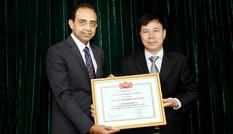Prudential Việt Nam nhận danh hiệu 'Tập thể Lao động Xuất sắc 2016'
