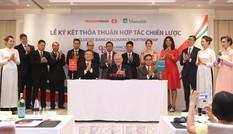 Techcombank và Manulife 'hứa' hết lòng vì khách hàng cả hai bên