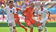 Hà Lan nhất bảng, Tây Ban Nha 'thắng' rửa mặt