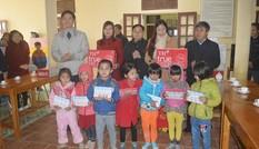Trao 500 suất quà Tết cho người nghèo tại Thanh Hoá