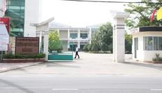 Cảnh cáo Hiệu trưởng dùng kinh phí nhà trường để vinh danh cá nhân