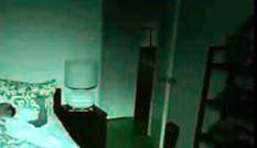 Người nước ngoài đặt camera trong phòng ở Sài Gòn tìm kẻ trộm