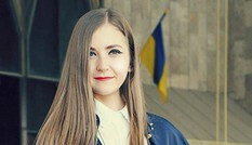 Nữ Thạc sĩ Ukraine xinh đẹp với tình yêu đặc biệt dành cho Việt Nam