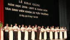 ĐH Duy Tân trao học bổng 800 triệu cho thủ khoa