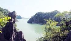 Vườn quốc gia Bái Tử Long nhận danh hiệu Vườn di sản ASEAN