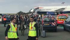 Sơ tán 130 hành khách trên máy bay tại Pháp