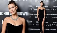 Bella Hadid siêu quyến rũ với đầm xẻ cao và trang sức đắt giá