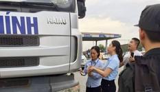 Chủ trạm BOT QL5 đề nghị công an làm rõ tài xế gây 'mưa' tiền lẻ
