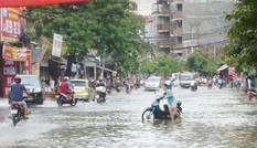 Hà Nội yêu cầu mở hết cửa hồ điều hòa để chống ngập bão số 10