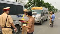 Hàng loạt xe khách 'rùa bò' bị 'cấm bến' 1 tháng