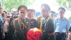 Nghẹn ngào giây phút đón thượng úy Nguyễn Văn Tùng về quê nhà