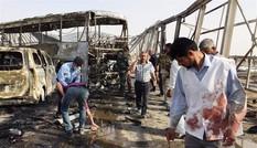 Đánh bom xe và xả súng quanh nhà hàng Iraq, 83 người thiệt mạng