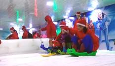Giới trẻ Hà Nội trượt tuyết ở nơi âm 7 độ C