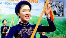 Ngắm nét rạng rỡ của nữ sinh vùng cao Việt Bắc