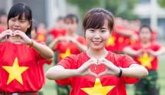 Ấn tượng màn trình diễn 'Trường tôi là số 1' của sinh viên quân sự, quốc tế