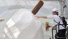 Ly kem lớn nhất thế giới nặng một tấn