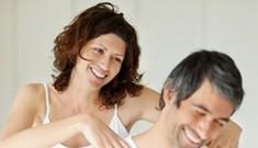 Làm nóng 'chuyện yêu' với tiệc massage nóng bỏng
