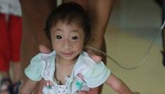 Cô bé tý hon ở Trung Quốc