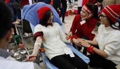 Á hậu hai lần hiến máu tại Chủ Nhật Đỏ