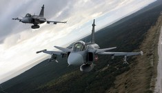 Tiêm kích F-15 Mỹ đến Litva, tiểu đoàn NATO bắt đầu hoạt động ở Đông Âu