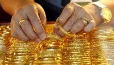 Giá vàng vẫn giảm trước khả năng Mỹ tăng lãi suất