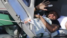 Neymar nằm cáng, đi trực thăng rời tuyển Brazil