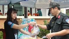 Chủ Nhật Đỏ ở Đà Nẵng: 'Đó là yêu thương...'