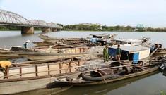 Thêm nhiều thuyền hút trộm cát sông Hương bị bắt quả tang