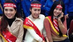 Các người đẹp tham gia Chủ Nhật Đỏ 2014