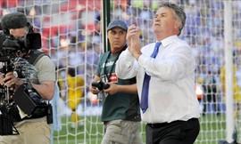 HLV Hiddink thay Van Gaal: Lốc cam sẽ đi về đâu?