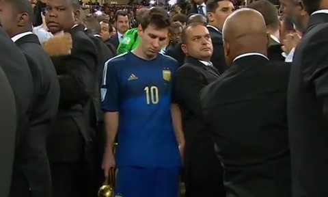 Nghi án FIFA bị ép trao 'Bóng vàng' cho Messi
