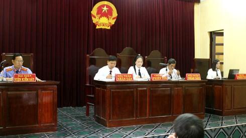 Hoãn xử vụ ông Đoàn Văn Vươn kiện huyện Tiên Lãng