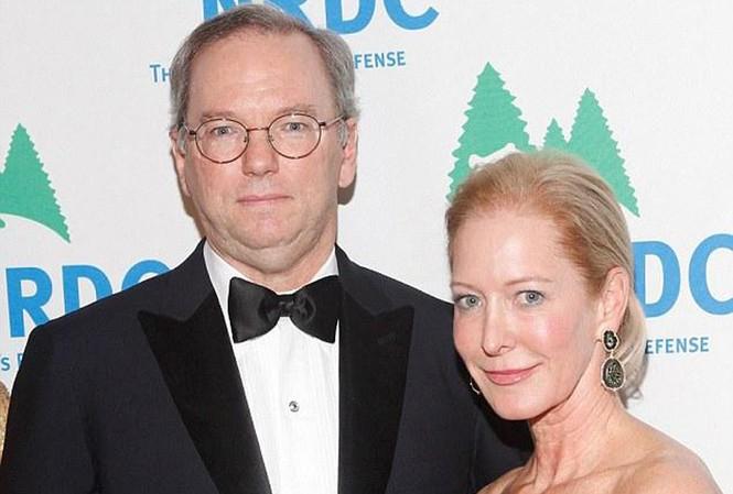 Sếp Google bán tháo cổ phiếu để có tiền bỏ vợ