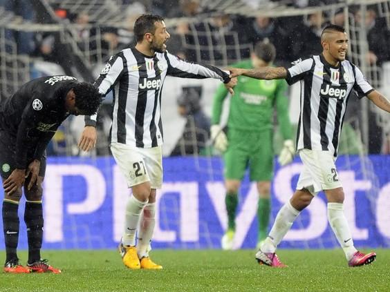 Juventus và PSG dắt tay nhau vào tứ kết Champions League
