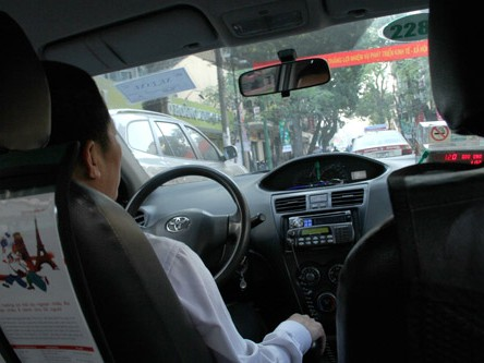 Tài xế taxi đêm: Tình, tiền và ân oán giang hồ
