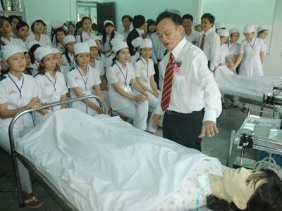 Khánh thành khu thực tập cho học sinh trung cấp Y Dược