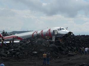 Chiếc máy bay Fokker của hãng CAA rơi ở Goma, Congo